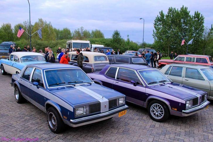 Zaterdag 16 juni: Oldsmobile Omega 1979 (paars) 2.5 liter 4 cilinder +/- 120 pk (unieke auto in nederland, 1 van de 4 rijdende)